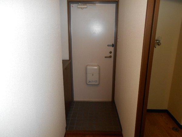 ハイツ花水木Ⅲ 3B号室の玄関