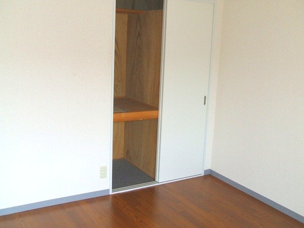 フォルツァ小牧 203号室の収納