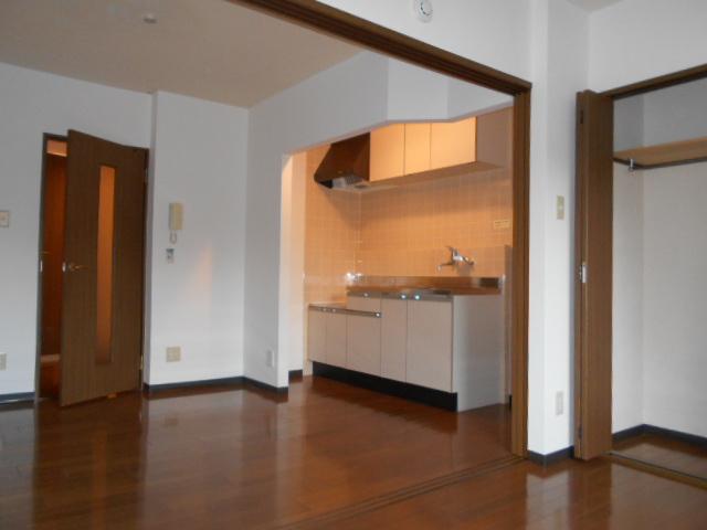 ハートランド21 102号室のリビング