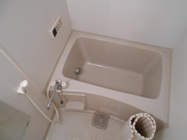 パラシオン 201号室の風呂