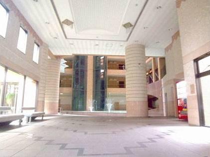 ロマネスク博多駅前 804号室のロビー