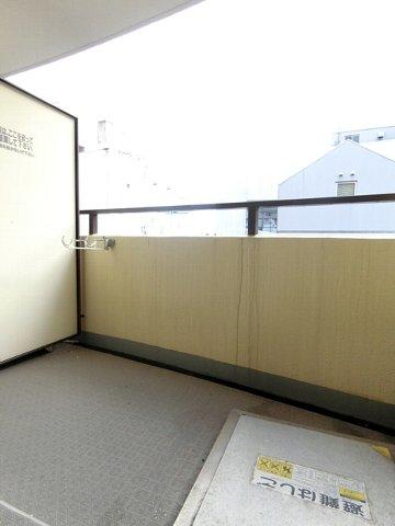 ロマネスク博多駅前 804号室のバルコニー
