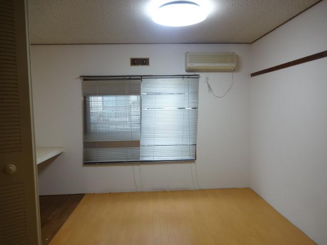 第7田村ハイツ 107号室のリビング