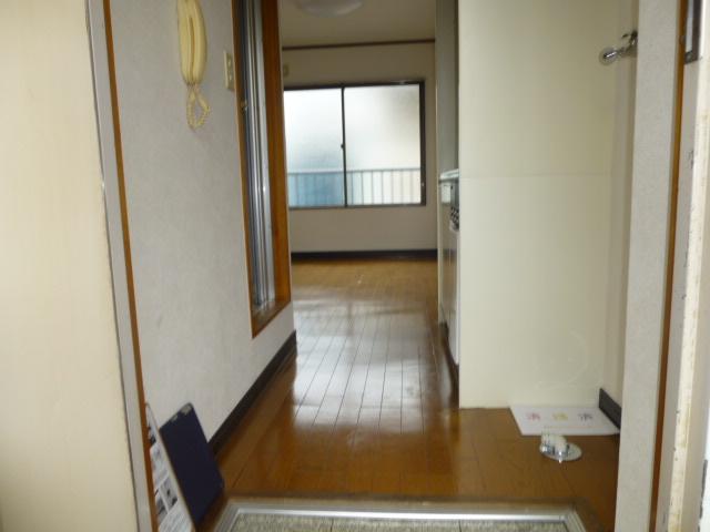 ハイムプリマヴェーラ 306号室の玄関