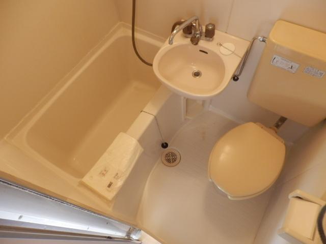 ファミーユ国分寺 201号室の風呂