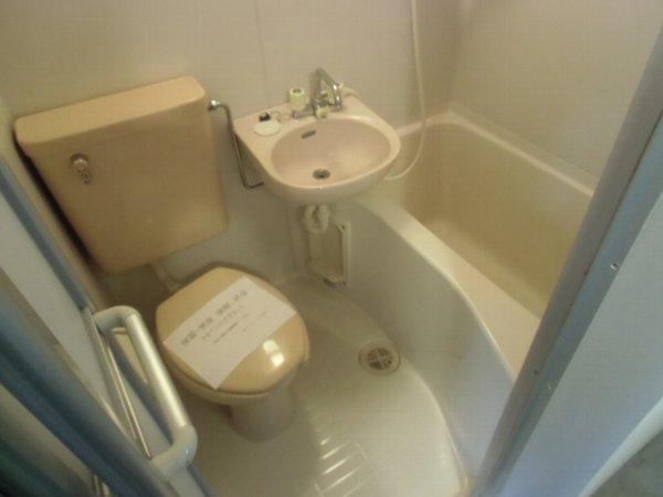 アドニス元町 101号室の風呂