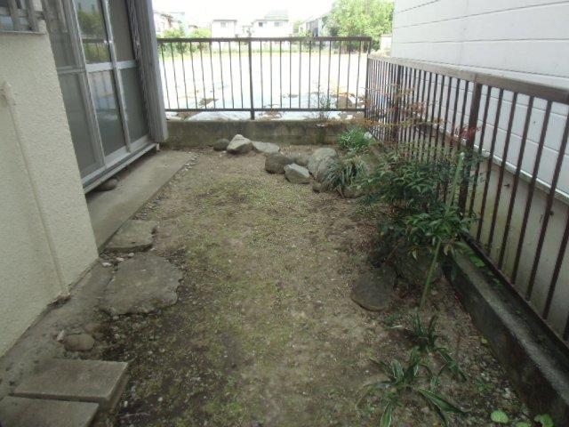 国分寺東元町貸家の庭