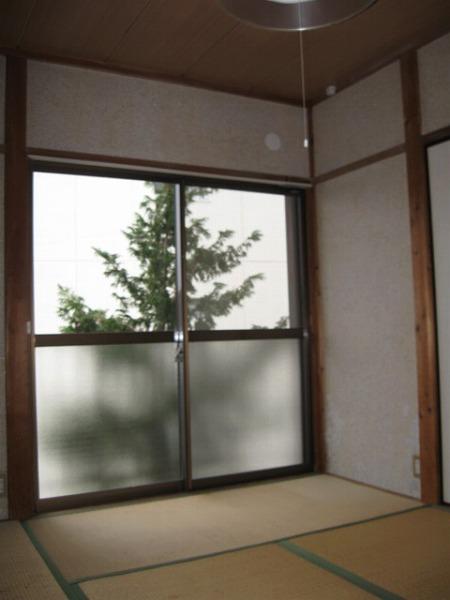 第2ベルハイツ B202号室の居室