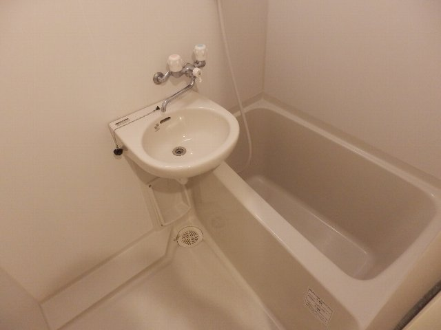 T's Dream 千原 705号室の風呂