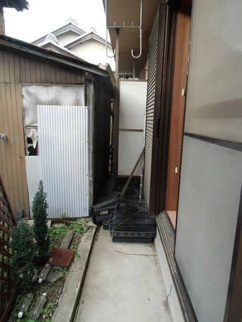 西六軒伊藤貸家の庭