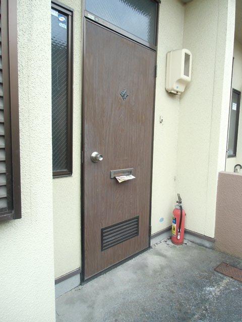 西六軒伊藤貸家の玄関