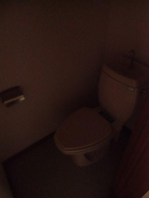 西六軒伊藤貸家のトイレ