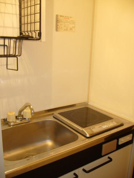 AKK NO1ビル 1B号室のキッチン