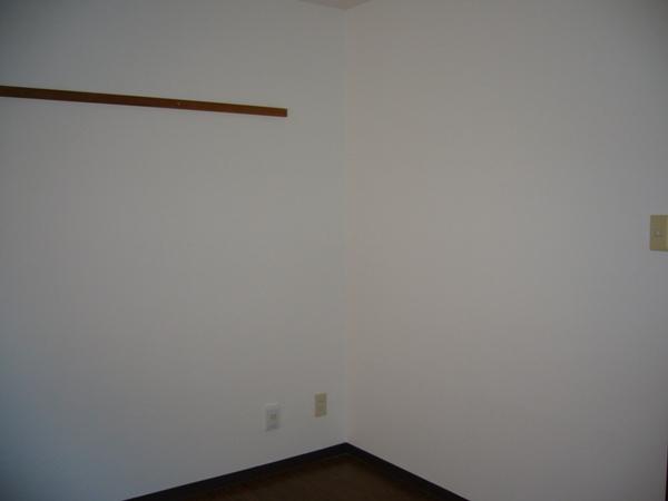 AKK NO1ビル 1B号室の居室