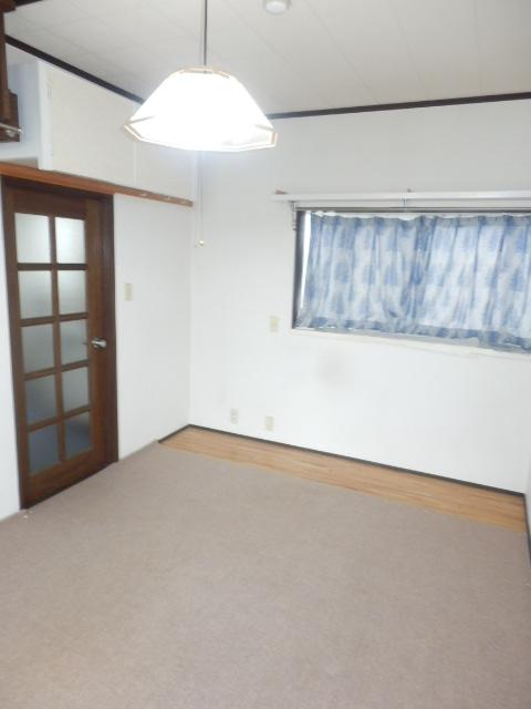 グレースハイツⅠ 207号室のリビング