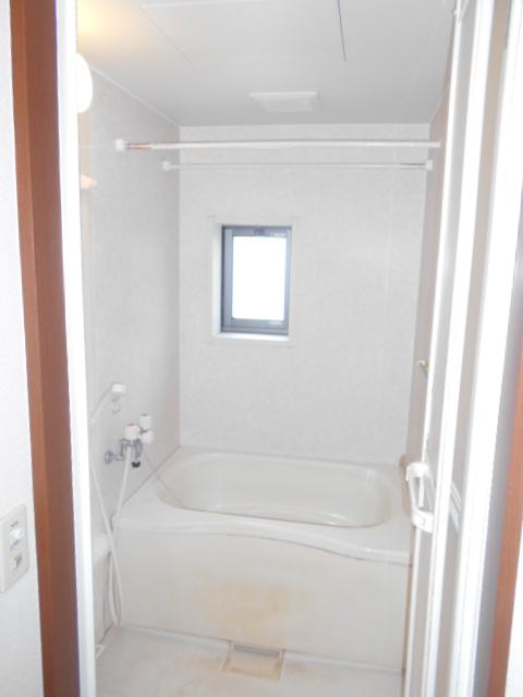 ファミリーメゾン 101号室の風呂