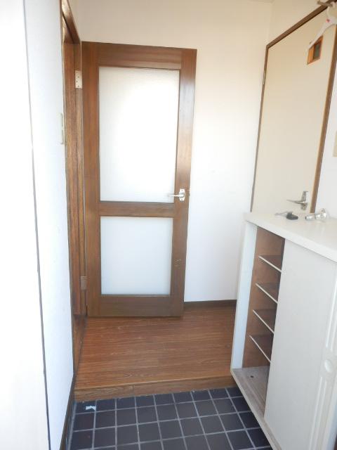 グランベールヨシミ 201号室の玄関