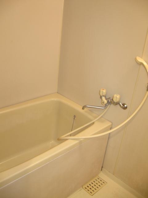 サン・クレスト小林 305号室の風呂