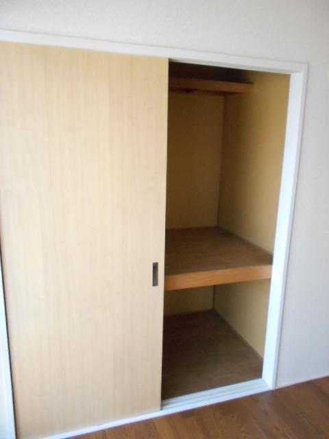 グリーンヒルB 203号室の収納
