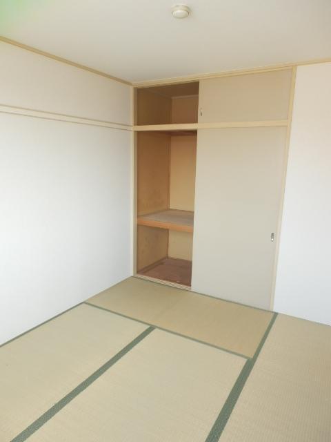 今宿モールサイドⅡ 222号室の居室