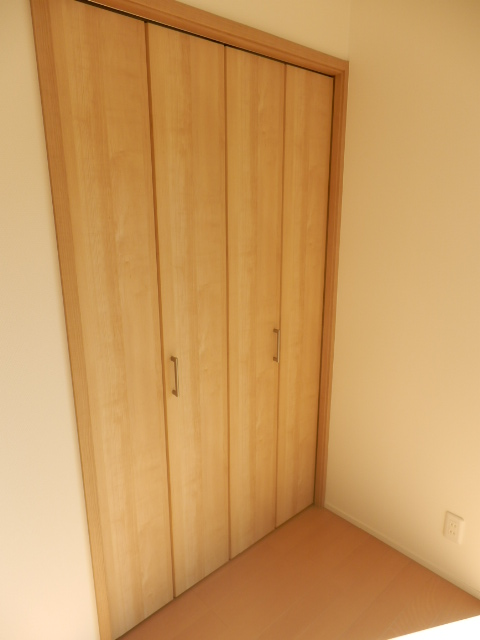 イベリスビラ 102号室の収納