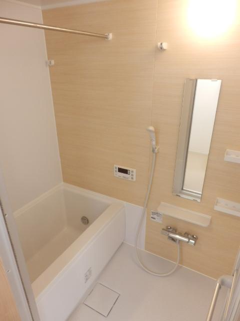 イベリスビラ 102号室の風呂