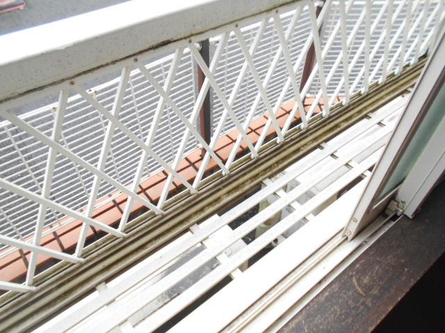 サンライズ桜ヶ丘 102号室のバルコニー