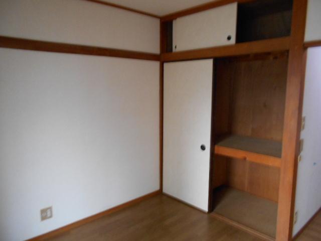 京王電器ビル 302号室の収納