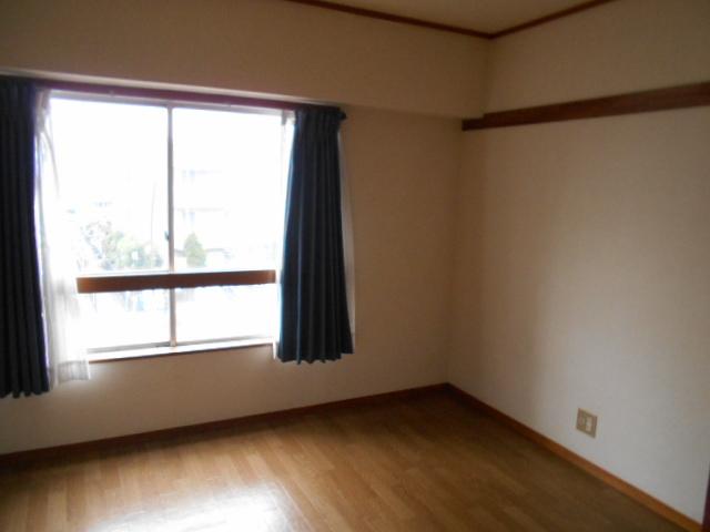 京王電器ビル 302号室のリビング