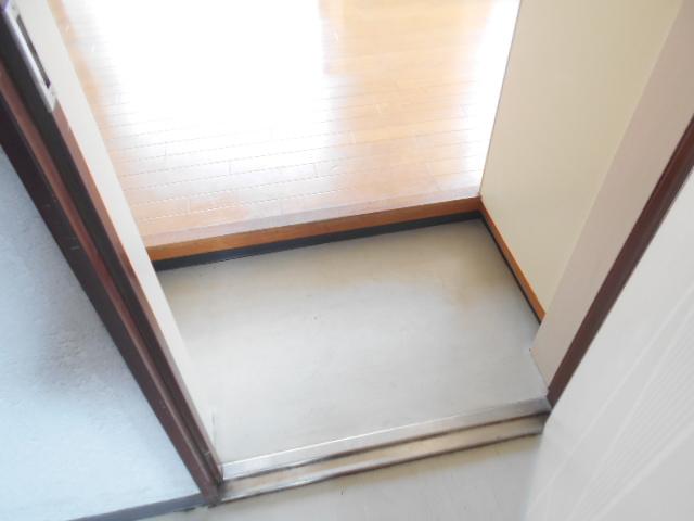 ラトゥールアンフィニ 902号室の玄関
