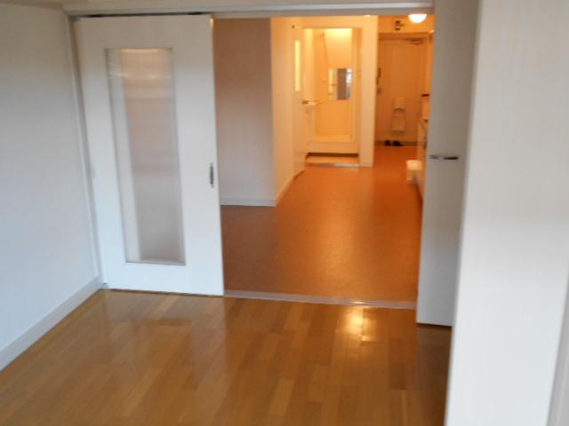 ヴェルドミール聖蹟桜ヶ丘 304号室の居室