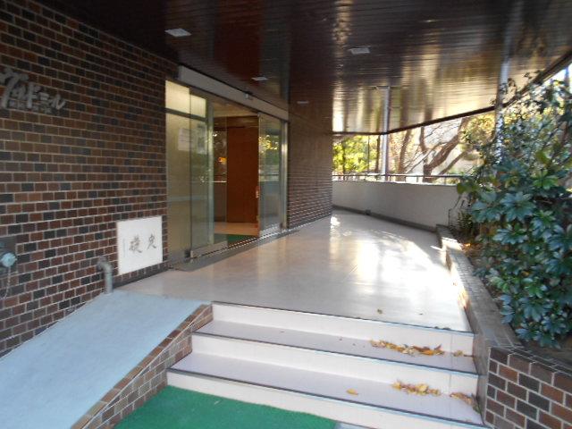 ヴェルドミール聖蹟桜ヶ丘 304号室のエントランス