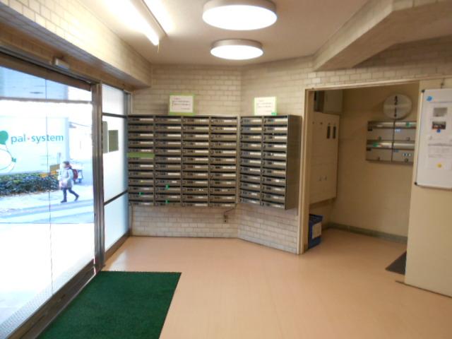 ヴェルドミール聖蹟桜ヶ丘 304号室のロビー