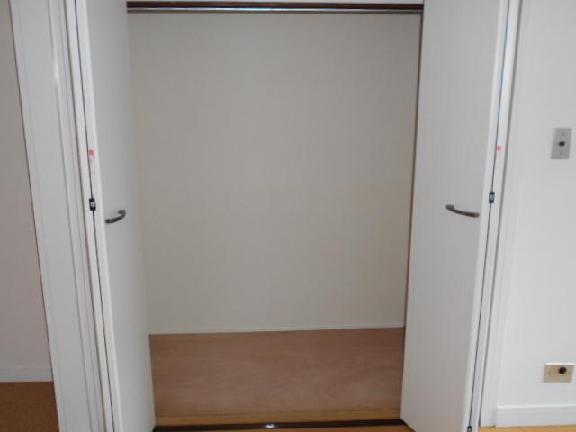 ヴェルドミール聖蹟桜ヶ丘 304号室の収納