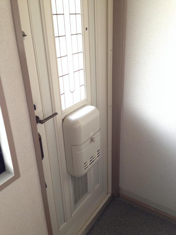 キャッスル 101号室の玄関
