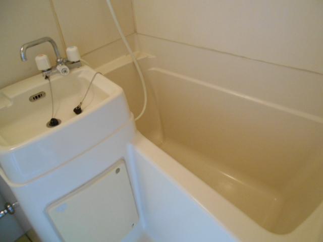 ハイツ677 201号室の風呂