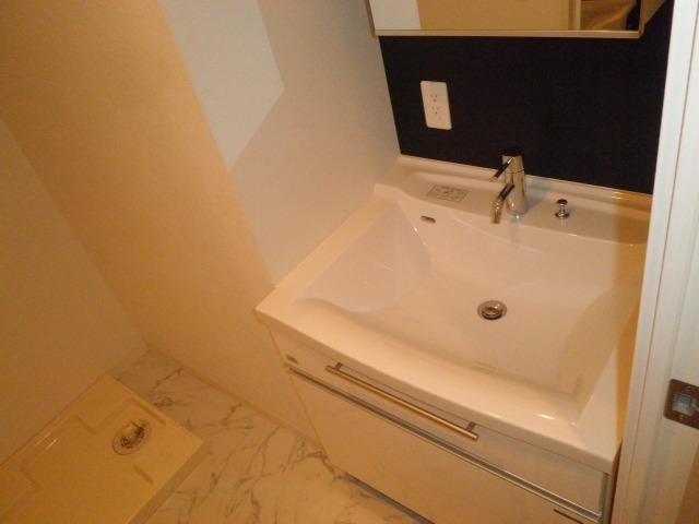 グラヴィス鶴舞 701号室の洗面所
