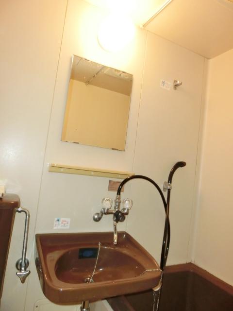 小塩マンション 3C号室の洗面所