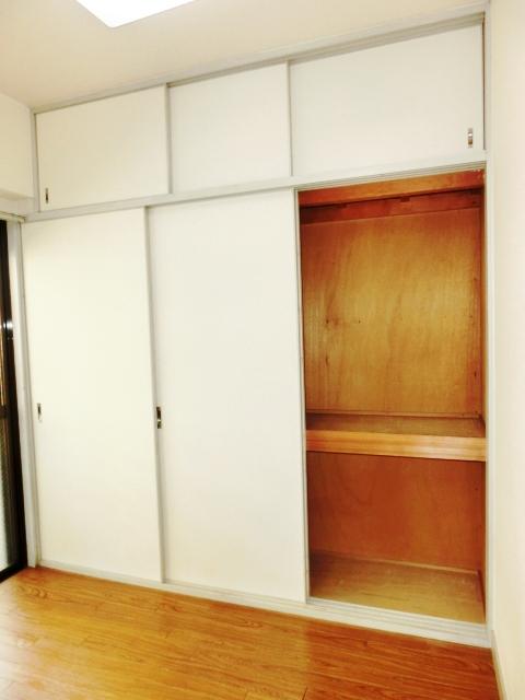 小塩マンション 3C号室の収納