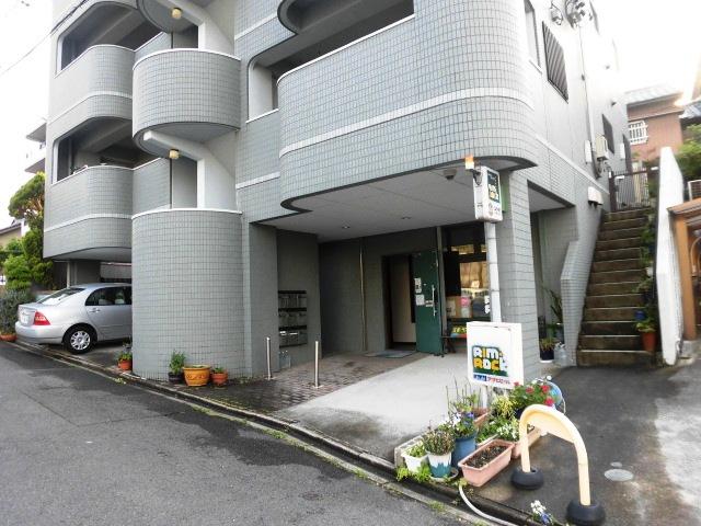 リムロックハウス覚王山 3A号室のエントランス