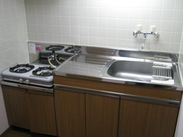 メゾネットヒラヤマ 101号室のキッチン