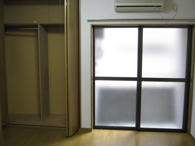 メゾネットヒラヤマ 101号室のリビング