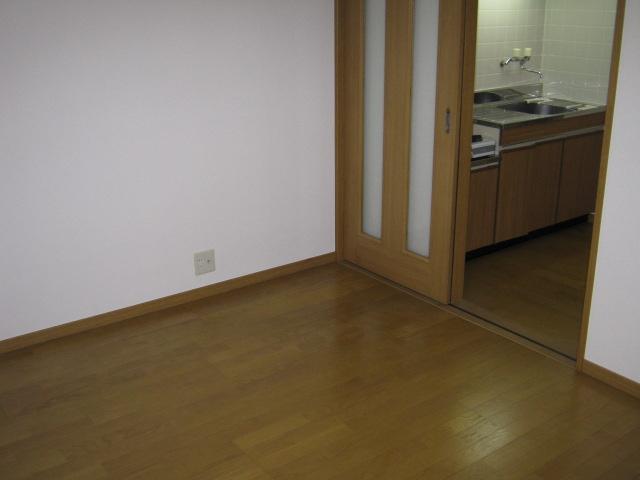 メゾネットヒラヤマ 101号室の居室