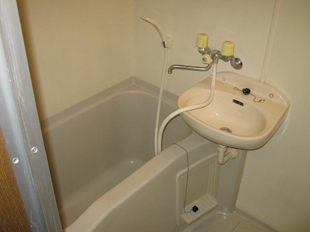 アムールサクライ 303号室の風呂