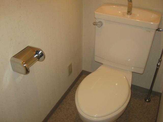 北綾瀬PSSビル 304号室のトイレ