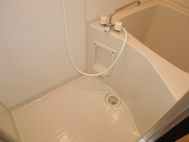 渡辺荘 28号室の風呂