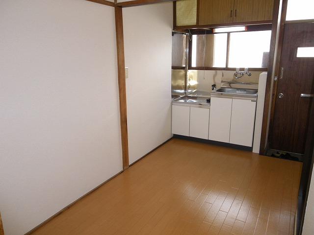 渡辺荘 28号室の玄関