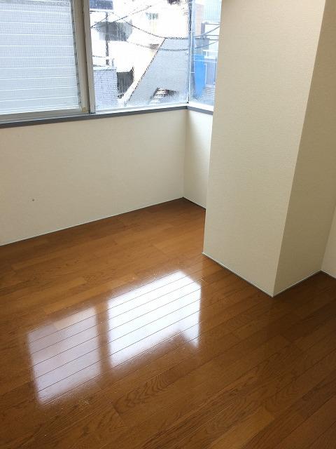 キャヴァンイワタ 205号室の居室