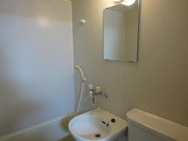 カサディワコウ 107号室の洗面所
