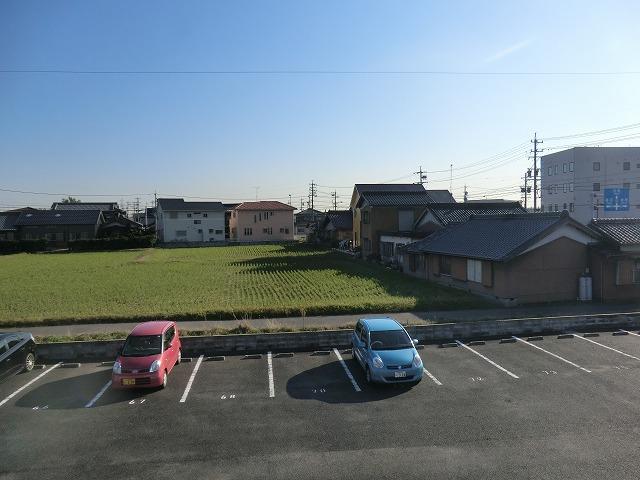 モナーク ヴィレ B棟 102号室の景色